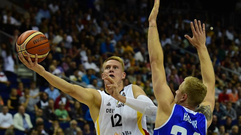 Basketball-EM: Deutschland erkämpft sich Sieg gegen Island