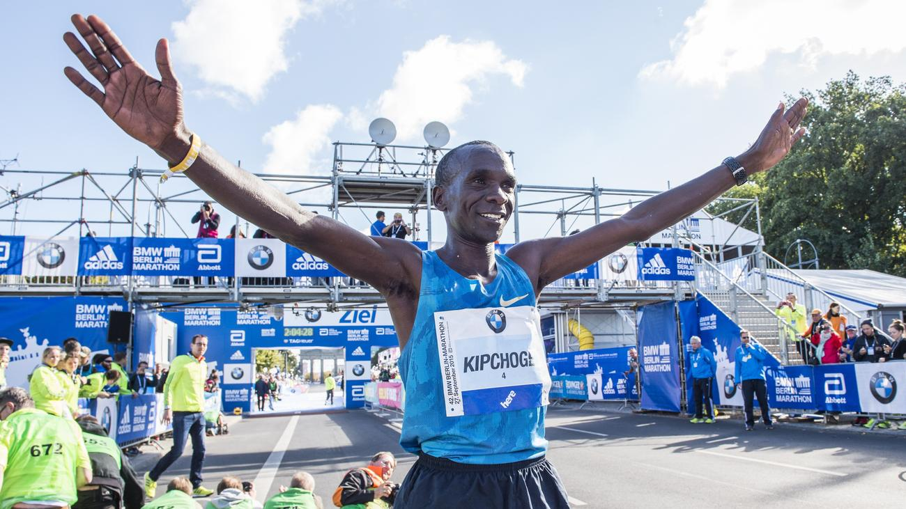 berlin marathon kenianer kipchoge gewinnt trotz kaputtem laufschuh zeit online. Black Bedroom Furniture Sets. Home Design Ideas