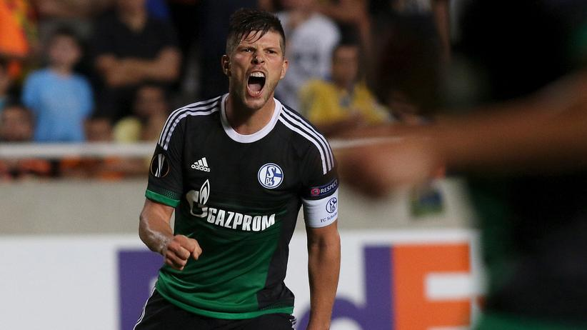 Schalke 04's Huntelaar nach seinem Tor in der Europa League