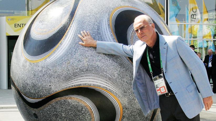 Der damalige Chef des WM-Organisationskomitees, Franz Beckenbauer