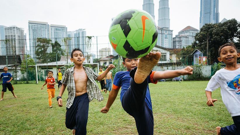 Straßenfußball: Um 17 Uhr spielt die Welt Fußball