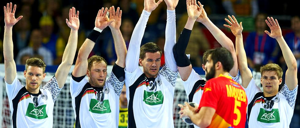 Tobias Reichmann, Steffen Weinhold, Erik Schmidt und Rune Dahmke (von links) im Spiel gegen Spanien