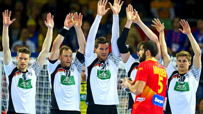 Handball-EM: Tobias Reichmann, Steffen Weinhold, Erik Schmidt und Rune Dahmke (von links) im Spiel gegen Spanien