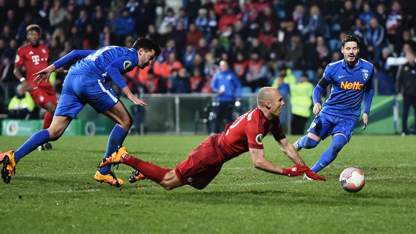 Bundesliga-Vorschau: Arjen Robben nach einer Berührung