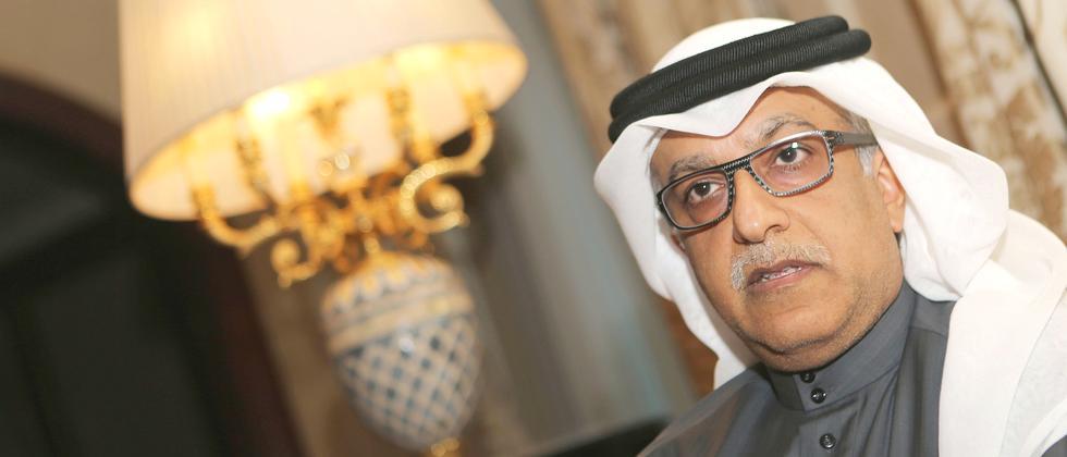 ScheiScheich Salman al-Khalifa, der Präsident des Asiatischen Fußballverbands. Im Vergleich zu den Vorwürfen gegen ihn sind die üblichen Schweinereien der Fifa Kinderkram.ch Al Khalifa Salman Fifa Porträt