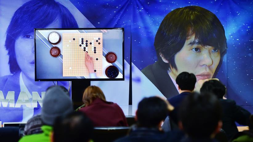 AlphaGo: Lee Sedol und sein Gegner