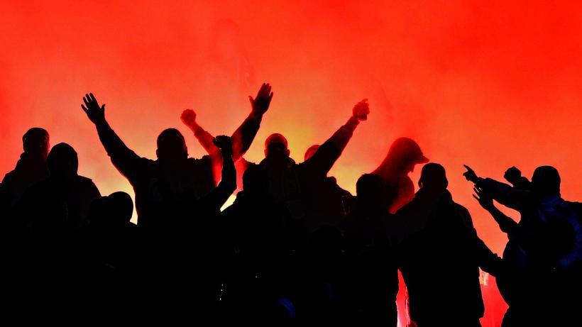 Ultras Im Fussball Dann Hatten Die Nazis Gewonnen Zeit