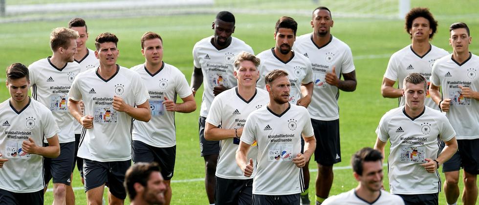 23 Spieler nominierte Joachim Löw für die EM in Frankreich. Marco Reus ist nicht dabei.