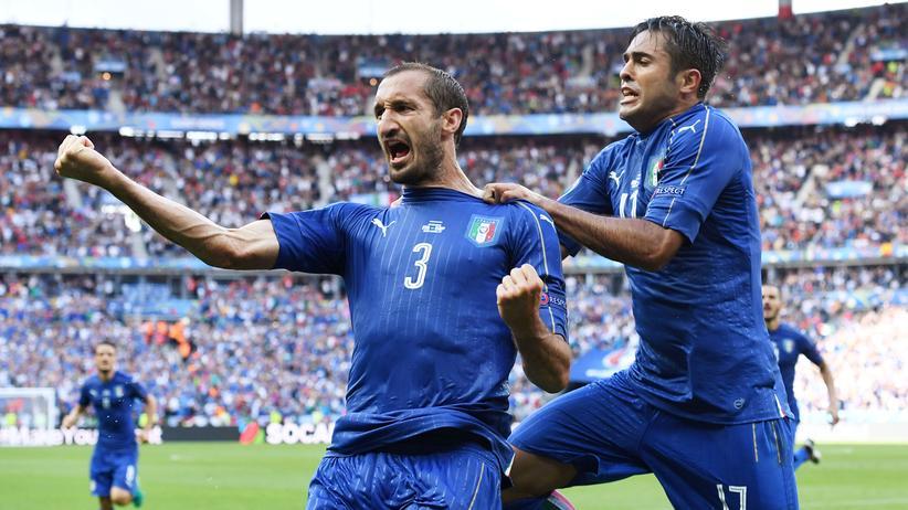 Fußball-EM: Italien schlägt Spanien – Viertelfinale gegen Deutschland