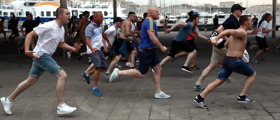 Englische Fußballfans in Marseille