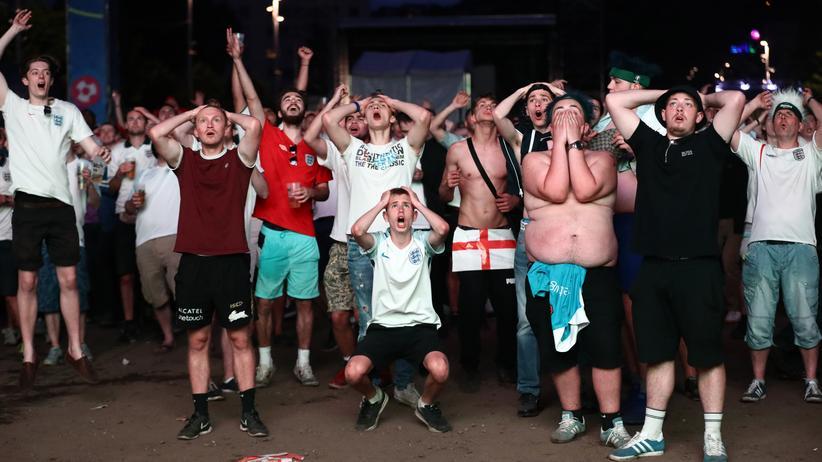 England-Fans beim Public Viewing in Frankreich