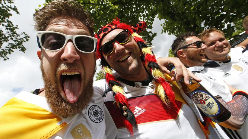 Fußball-EM: Fans der deutschen Nationalmannschaft in Paris