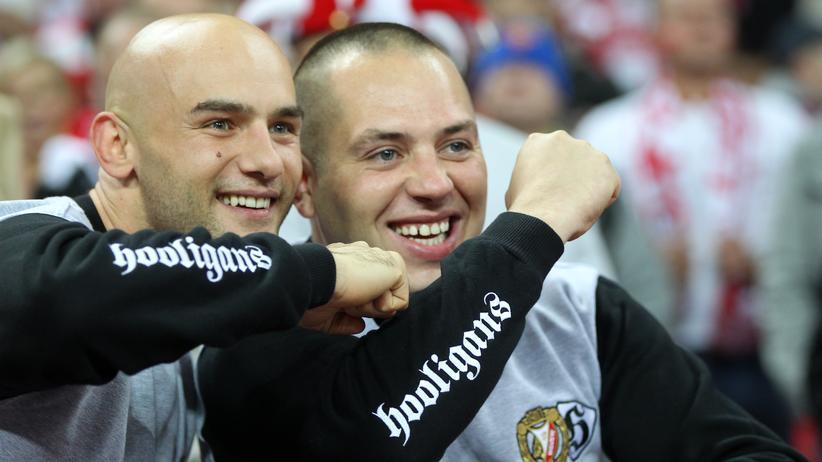 Hooligans: Polnische Hooligans beim EM-Qualifikationsspiel gegen England.