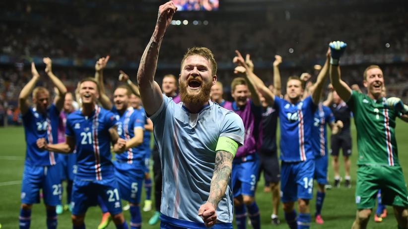 Die Isländer um Kapitän Aron Gunnarsson