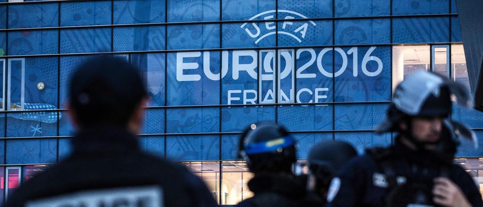 Tausende Polizisten werden die Europameisterschaft 2016 in Frankreich sichern.