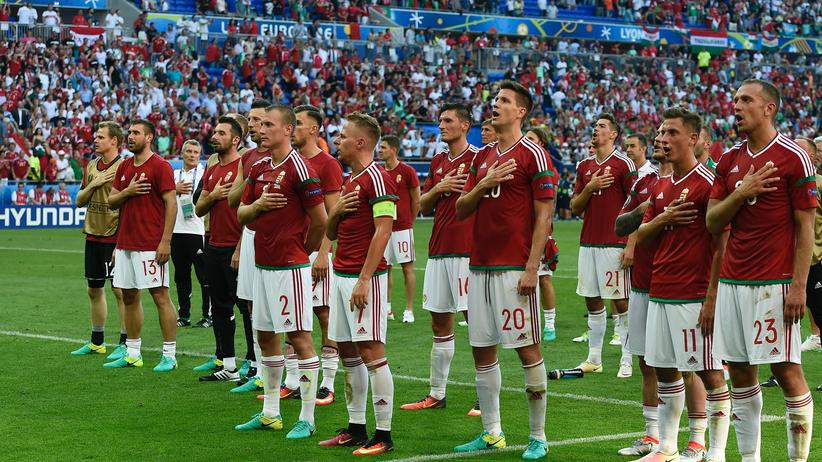 Ungarn ist Gruppensieger – Ungarn singt.