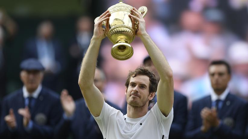 Tennis: Der Brite Andy Murray setzte sich gegen Milos Raonic in drei Sätzen durch.