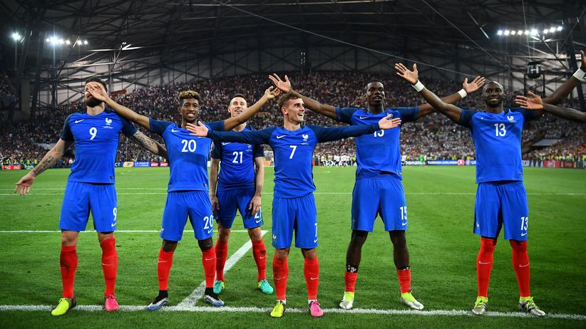 Französische Nationalmannschaft: Antoine Griezmann und das französische Team erlösten mit dem Sieg gegen Deutschland eine unsichere Fußballnation.