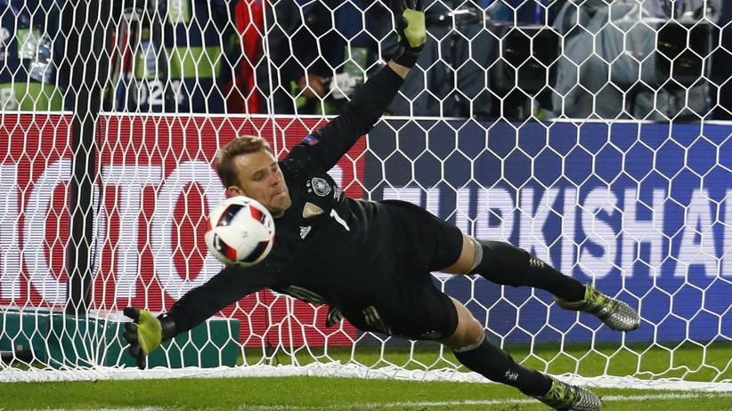 Fußball-EM: Ein Held, der hält: Manuel Neuer