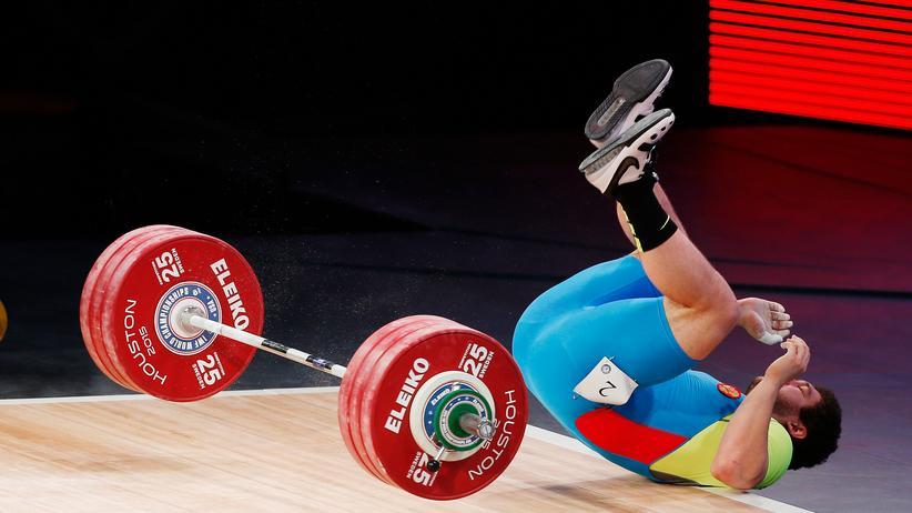 Rio 2016: Der russische Gewichtheber Timur Naniev im November 2015 bei den Weltmeisterschaften in Houston, Texas.
