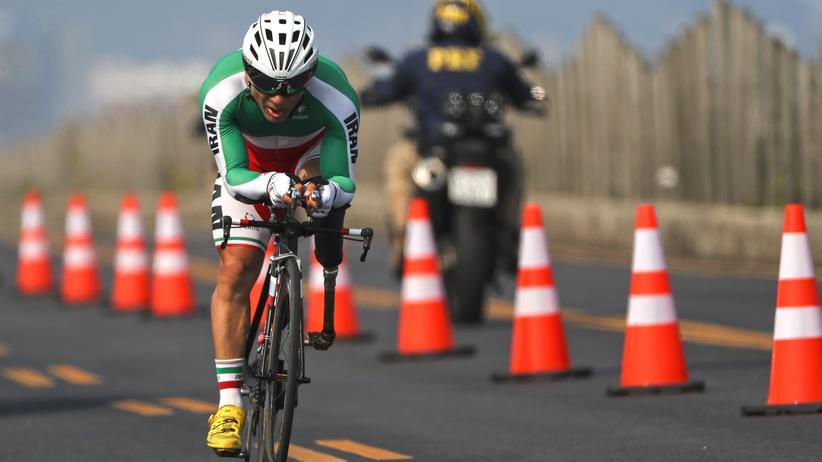 Rio de Janeiro: Der iranische Radsportler Bahman Golbarnezhad bei den Paralympics in Rio de Janeiro