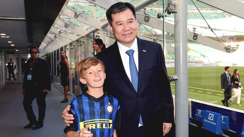 Italienischer Fußball: Zhang Jindong, Boss der Suning Holding, im San Siro