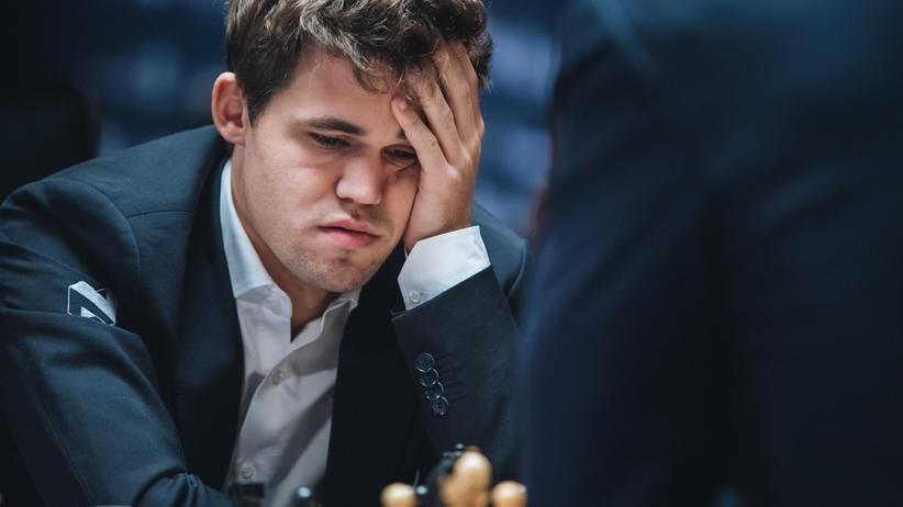 Schach-WM: Gewisse Erschöpfung: Magnus Carlsen während der 11. Partie gegen Sergej Karjakin