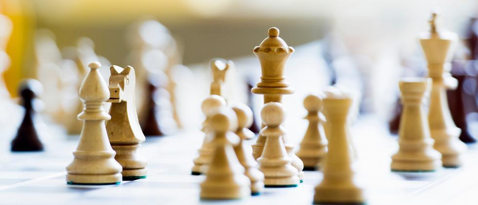 Remis ist das häufigste Ergebnis im Spitzenschach. Wie kommt es dazu?