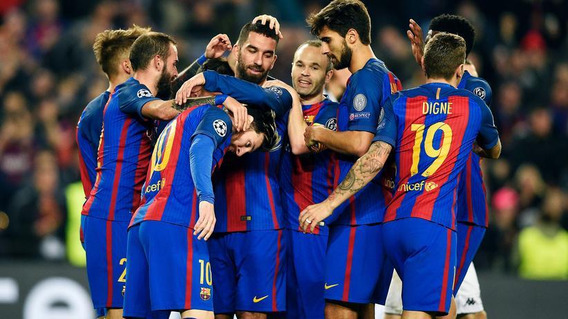 Champions League : Gladbach unterliegt Barcelona, Bayern schlägt Atlético