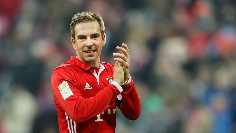 FC Bayern: Lahm kündigt Karriereende an