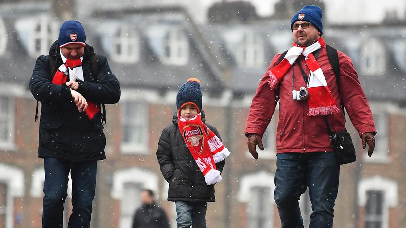 FC Arsenal: Arsenal-Fans auf den Weg zum Ligaspiel gegen Hull im Februar.