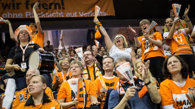 Zuschauer des Meisterschaftsfinales Berlin gegen Friedrichshafen 2016.