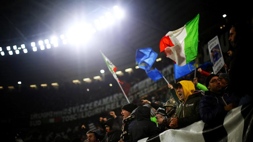 Juvefans während des Ligaspiels gegen Inter Mailand. Wie weit reichen die Arme der Mafia?