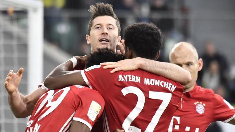 Bundesliga: Bayerns Robert Lewandowski nach dem dritten Tor gegen den VfL Wolfsburg.