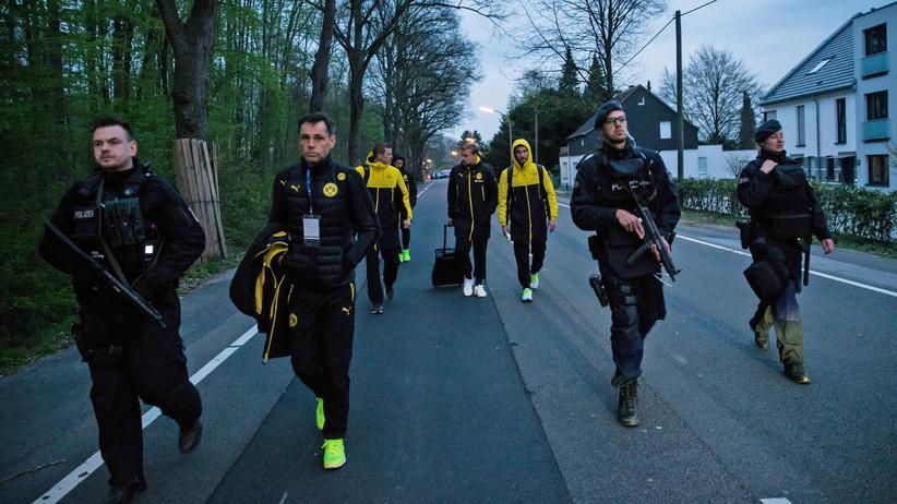 Explosion in Dortmund: Die Spieler werden schon in wenigen Stunden wieder auf dem Rasen stehen.