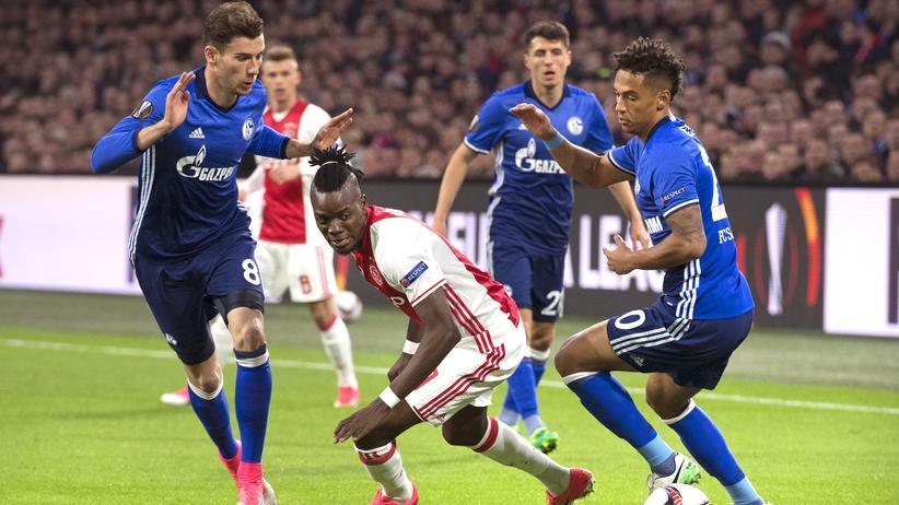 Europa League: Bertrand Traoré von Ajax beim Spiel gegen Schalke 04 in Amsterdam