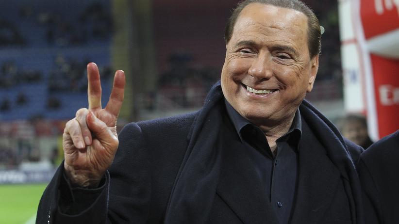 Silvio Berlusconi, Präsident des AC Mailand, will den Verein verkaufen.