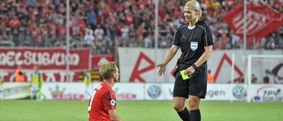 Pfeift in der kommenden Saison in der Bundesliga: Bibiana Steinhaus.