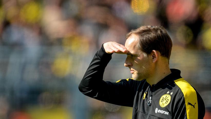 Bundesliga-Rückschau: Dortmunds Trainer Thomas Tuchel beobachtet das Spiel gegen Hoffenheim.