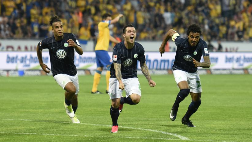 Bundesliga: VfL Wolfsburg bleibt nach Relegation erstklassig