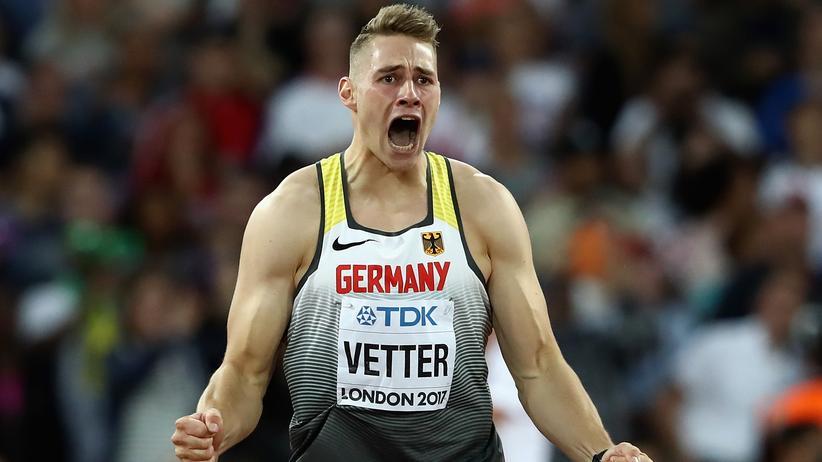 Leichtathletik-WM: Speerwerfer Johannes Vetter gewinnt das erste Gold für das deutsche Team bei den Leichtathletik-Weltmeisterschaften in London.