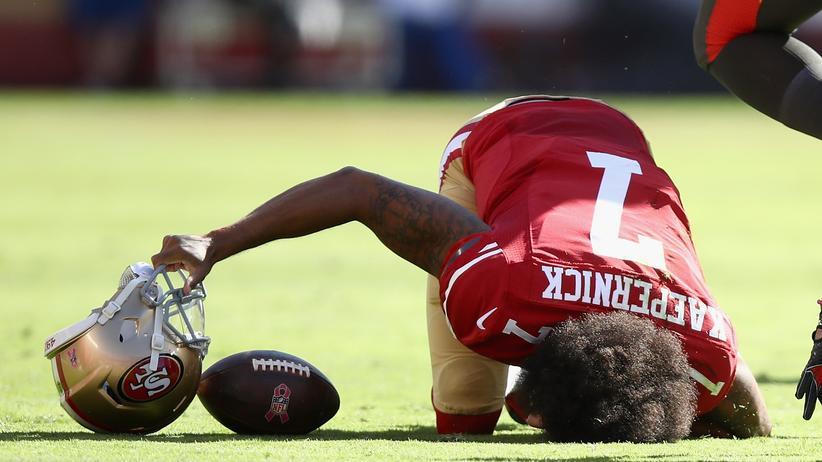 Helme schützen die Spieler der NFL vor schweren Verletzungen. Trotzdem leiden viele an den Folgeschäden des Sports.