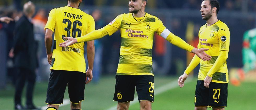 Frustrierte Dortmunder im Spiel gegen die Bayern.
