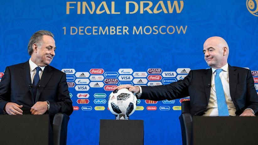 Bundesliga-Vorschau: Der russische OK-Chef Vitaly Mutko (links) und Fifa-Präsident Gianni Infantino kümmern sich ums WM-Turnier.