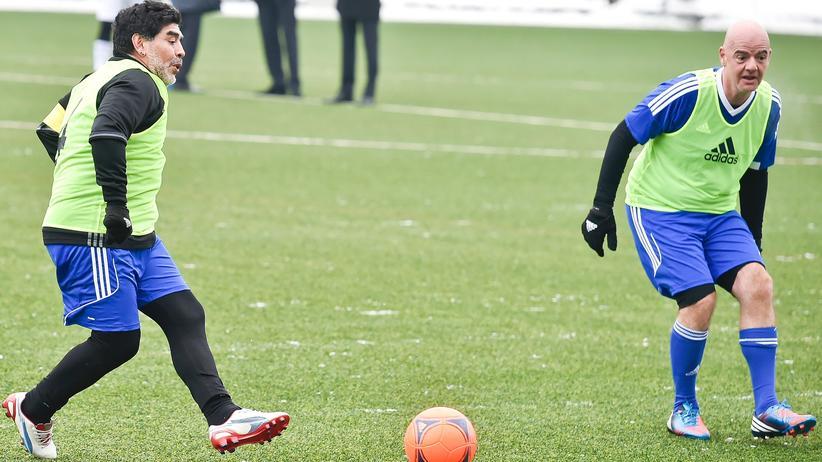 Heinz Müller: Selbst Diego Maradona ist längst kein Fußballprofi mehr, Gianni Infantino sowieso nicht.
