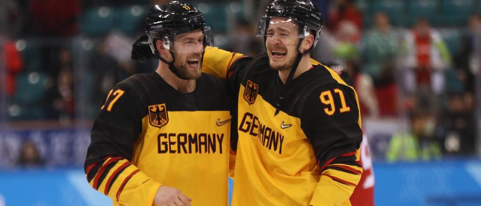 Kostet zwar einige Zähne, aber so sieht man aus, wenn man zum ersten Mal ein olympisches Eishockeyfinale erreicht.