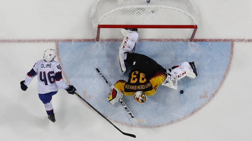 Olympische Winterspiele: Deutsche Eishockeymannschaft gewinnt gegen Norwegen