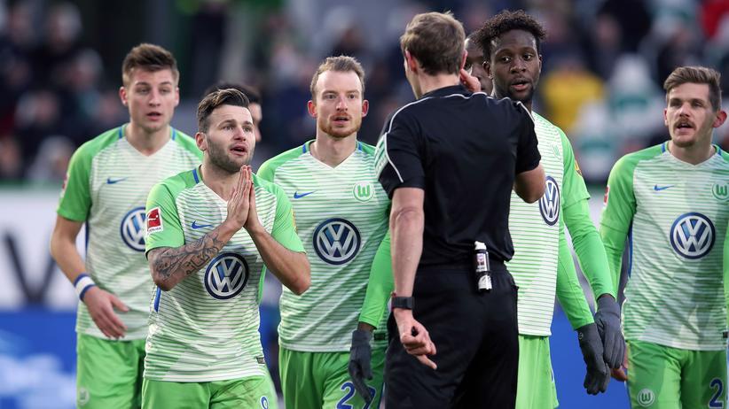 Bundesliga-Rückschau: Der Videobeweis ist doof, selbst wenn er korrekt ist