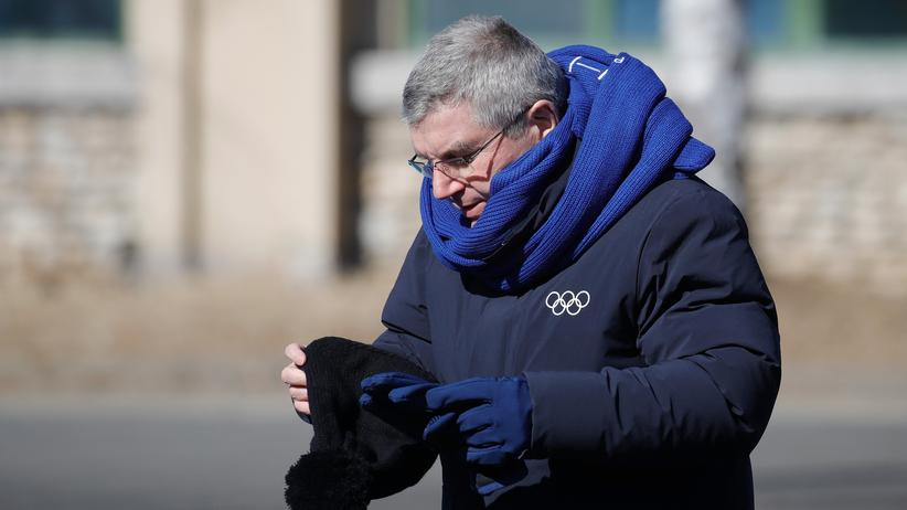 Olympia heute: Der deutsche IOC-Präsident Thomas Bach wird heute wieder zu den Sportlerinnen und Sportlern reden. Friede auf Erden!