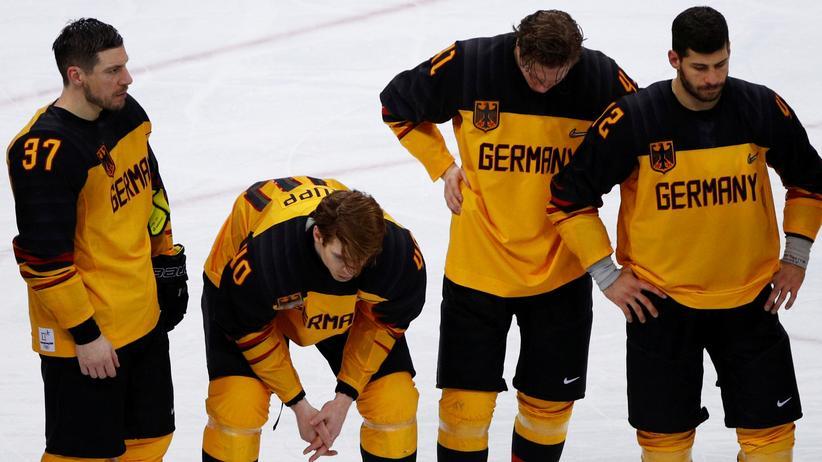Patrick Reimer: Deutsche Spieler nach der Niederlage gegen die Russen (Patrick Reimer ganz links)